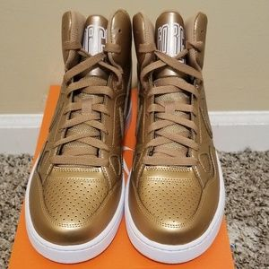 NWT- Nike Son of Force Mid (Rose Gold)